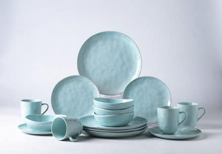 Pangu 16-Piece Porcelain Dinnerware Set, MINIMALISM, Handmade Irregular Shape Look, Service for 4 (Light green)