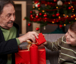 Top 10 Best Christmas Gifts for Grandpa 2017