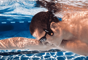 Top 10 Best Waterproof Bluetooth Headphones 2019 – Buyer's Guide