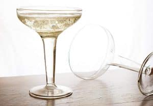 Icon of Paris - Hollow-Stem Champagne Glasses