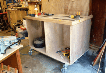 Top 10 Best Rolling Workbenches Review 2019