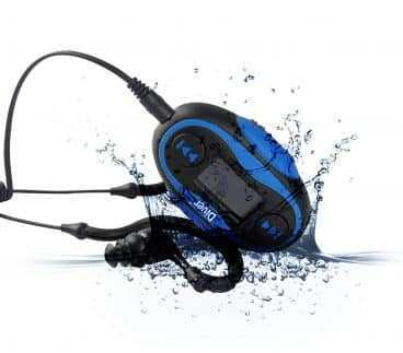 Diver 4GB Waterproof MP3 Player with LCD Display and Earphones