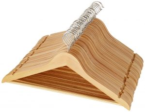 AmazonBasics Wood Hangers