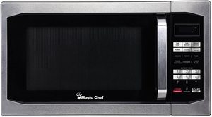 3. Magic Chef MCM1611ST 1100W Oven, 1.6 cu.ft