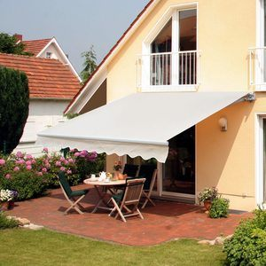 1. Outsunny 8' x 7' Patio Retractable Awning