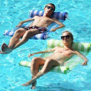 2. FindUWill 2-Pack Premium Swimming Pool Float Hammock