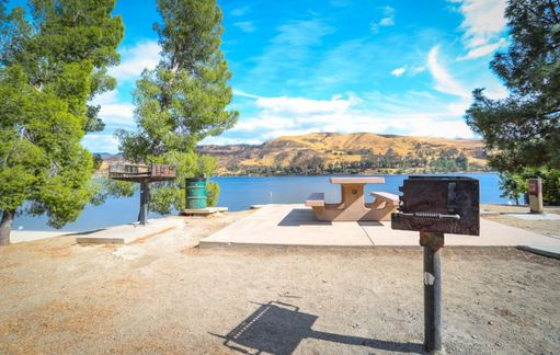 2. Castaic Lake
