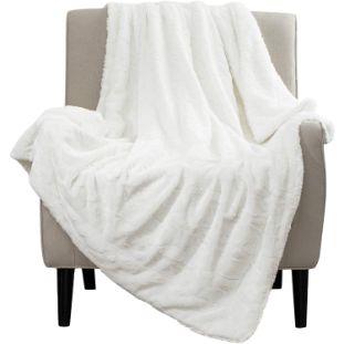 7. Bedsure Faux-Fur Reversible Tie-dye Sherpa Throw Blanket