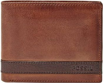 1. Fossil Men's Bifold Flip ID Wallet